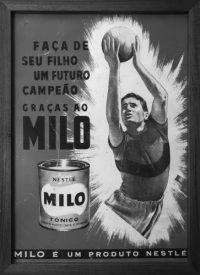 """Publicidade à bebiba """"Milo"""".Edições Cultura, nos Anos 60"""